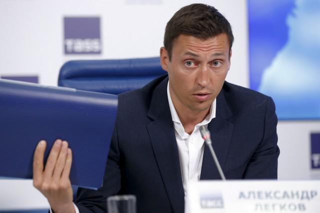 Le skieur de fond Alexander Legkov, médaillé d'or... (AP, Alexander Zemlianichenko)