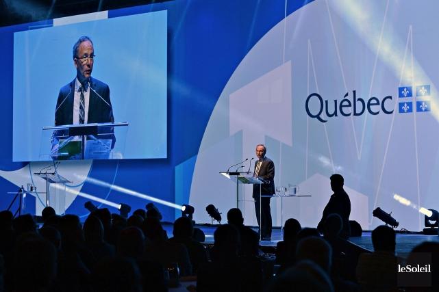 Devant les maires, Martin Coiteux a réitéré que... (Le Soleil, Patrice Laroche)