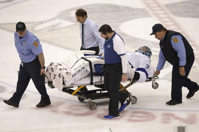 Le gardien du Lightning Ben Bishop s'est blessé... (AP)