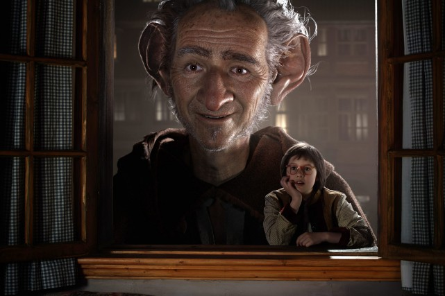 Le visage de l'acteur Mark Rylance est totalement déformé... (PHOTO DISNEY ASSOCIATED PRESS)