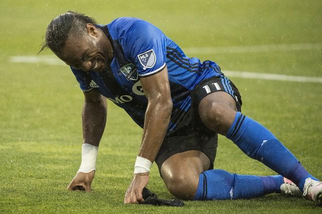 Blessé, Didier Drogba a été forcé de quitter... (La Presse Canadienne, Graham Hugues)
