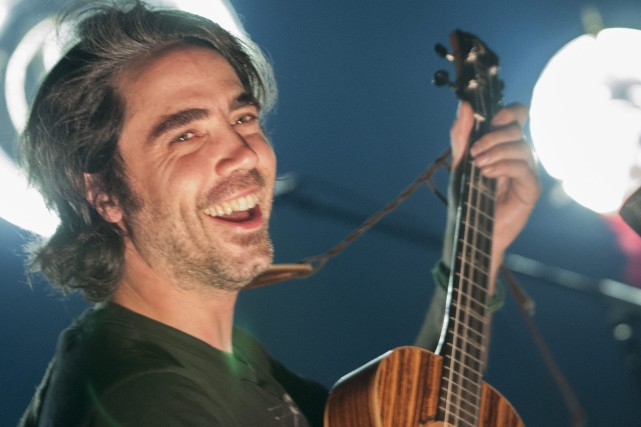 Patrick Watson et ses musiciens ont charmé le... (Photo Le Progrès-dimanche, Michel Tremblay)
