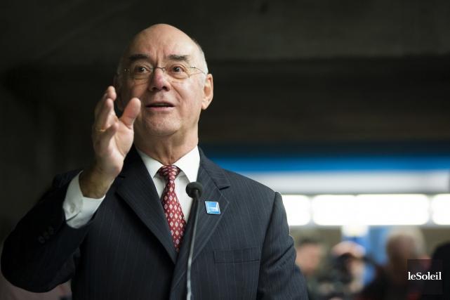 Le ministre des Transports du Québec, Jacques Daoust,... (Photothèque Le Soleil)