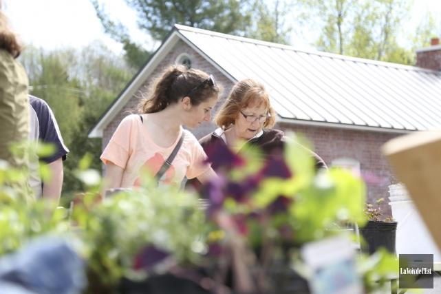 La Ferme Héritage Miner a reçu les jardiniers... (Julie Catudal, La Voix de l'Est)