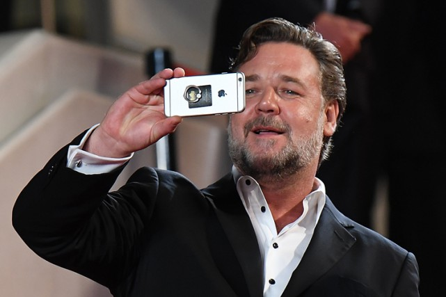 Russell Crowe sur le tapis rouge du festival.... (PHOTO REUTERS)
