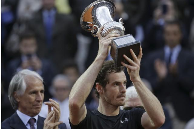 Andy Murray a récolté le premier titre de... (Associated Press)