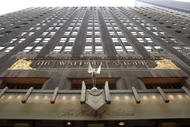 Certaines acquisitions frappent l'imagination comme celle du palace... (Photo Bloomberg)