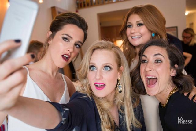 Les quatre filles deLike-moi!se sont donné rendez-vous chez... (PHOTO OLIVIER PONTBRIAND, LA PRESSE)