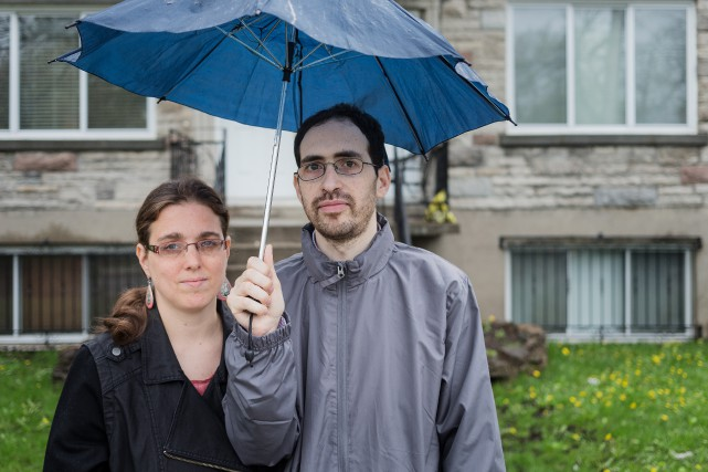 Yochonon Lowen et Clara Wasserstein, qui ontquitté la... (PHOTO EDOUARD PLANTE-FRÉCHETTE, LA PRESSE)