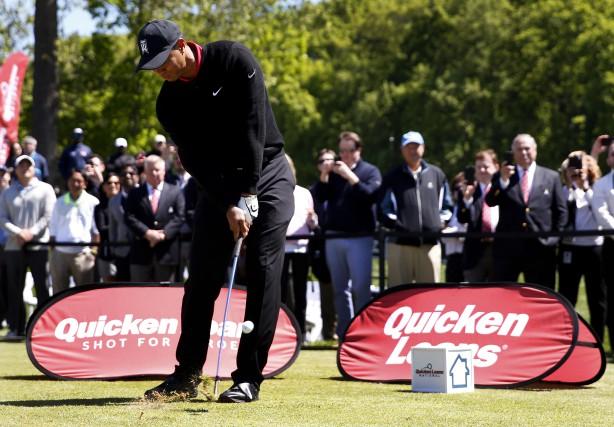 Tiger Woods prend du mieux. Il s'entraîne chez... (Associated Press)