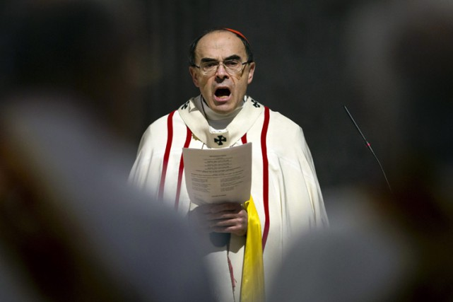 Le cardinal Barbarin est la cible de deux... (PHOTO ARCHIVES AP)