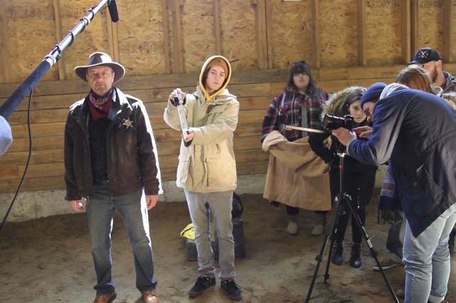 Des finissants du profil cinéma lors du tournage... (fournie)