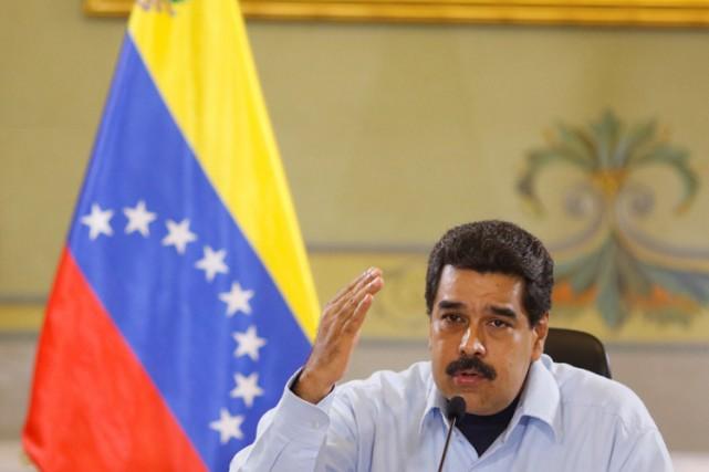 Dénonçant des «menaces extérieures», le président Maduro a... (PHOTO REUTERS)