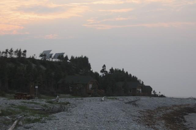 Sur l'île d'Anticosti, des panneaux solaires alimentent en... (Parc national d'Anticosti, SEPAQ)