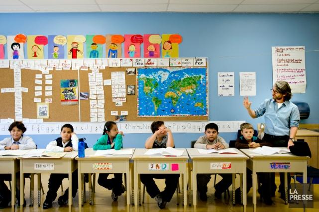 Почему успеваемость  в англоязычных школах   Квебека  выше?