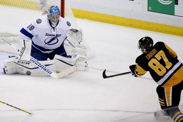 Sidney Crosby a connu un fort match avec... (Gene J. Puskar, Associated Press)