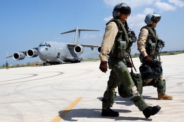 Le Canada a retiré sesCF-18 d'Irak et de... (ARCHIVES REUTERS)