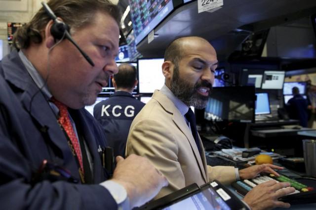 Après une forte hausse la veille, Wall Street a nettement baissé hier,... (PHOTO BRENDAN MCDERMID, REUTERS)