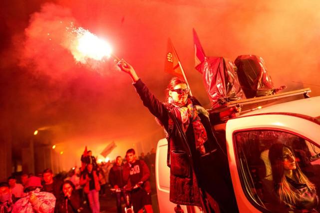 Des manifestations se sont produites le 16 mai.... (PHOTO AFP)
