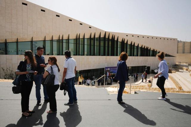 Des journalistes ont été invités à visiter le... (PHOTO ABBAS MOMANIM, AFP)
