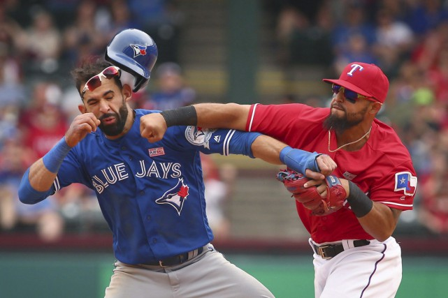 Rougned Odor a durement frappé Jose Bautista à... (Archives La Presse Canadienne)