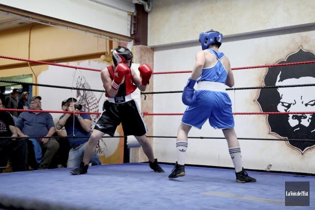 Anthony Durocher (à gauche) en action à la... (Julie Catudal, archives La Voix de l'Est)