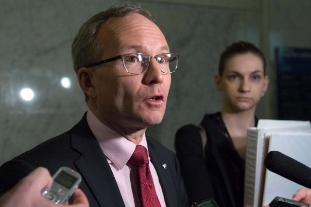 Le ministre de la Sécurité publique, Martin Coiteux.... (PHOTO PC)