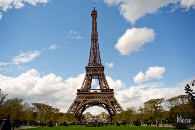 La tour Eiffel est un incontournable de la... (PHOTO DAVID BOILY, LA PRESSE)