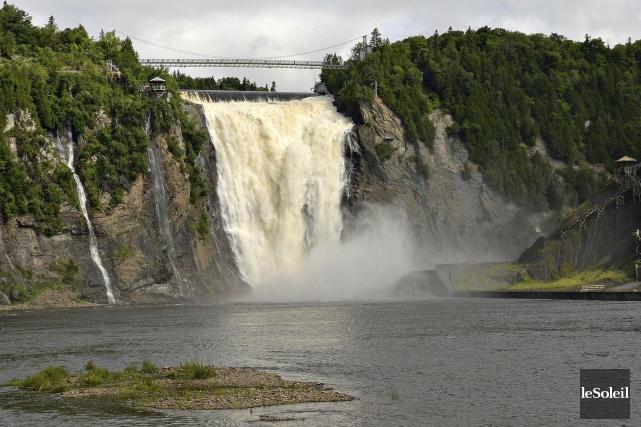 La rivière Montmorency sera abaissée de 3,5 mètres... (Photothèque Le Soleil, Patrice Laroche)