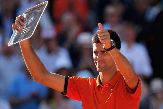 Novak Djokovica atteint la finale de Roland-Garros au... (Archives Associated Press)