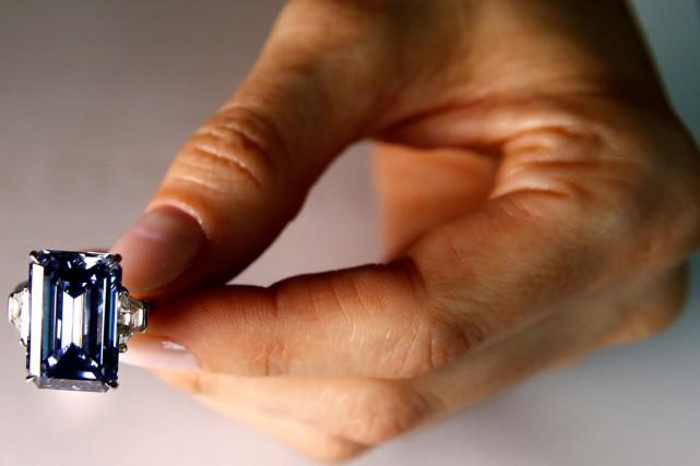 Le diamant bleu Oppenheimer a été vendu aux... (PHOTO REUTERS)