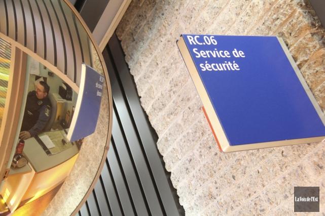 Le bureau de la sécurité au palais de... (Archives La Voix de l'Est)