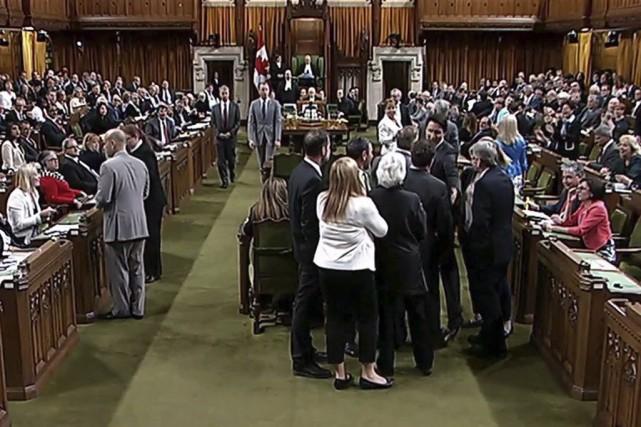 Le climat a brusquement dégénéré lorsque Justin Trudeau... (La Presse Canadienne/Chambre des communes)