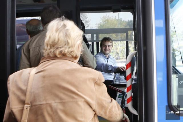 La Société de transport de l'Outaouais (STO) a réduit ses demandes pour... (Simon Séguin-Bertrand, Archives LeDroit)