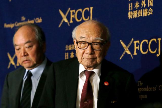 Terumi Tanaka (à droite) et Toshiki Fujimori, lors... (PHOTO ISSEI KATO, REUTERS)