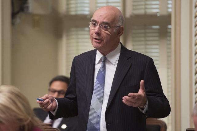 Le ministre des Transports, JacquesDaoust, participait à une... (PHOTO JACQUES BOISSINOT, LA PRESSE CANADIENNE)