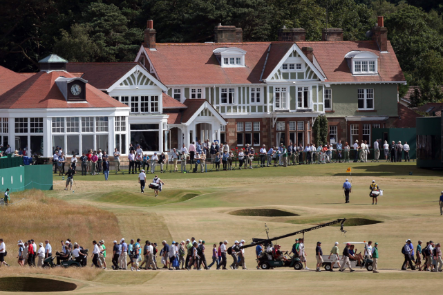 Les dirigeants du club de golf Muirfield ont... (Photo Adrian Dennis, AFP)