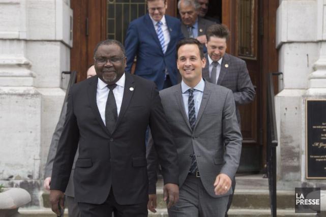 Maka Kotto était aux côtés d'Alexandre Cloutier,jeudi matin,... (La Presse Canadienne, Jacques Boissinot)