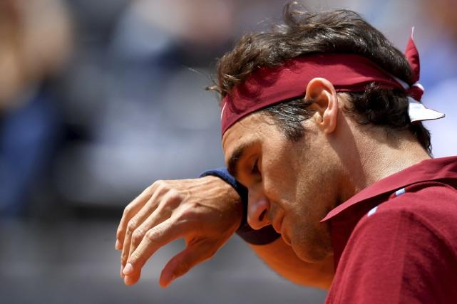 Roger Federer n'a disputé que quatre tournois depuis... (Archives AFP, Tiziana Fabi)