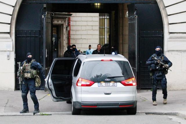 Des membres du GIGN ( Groupe d'intervention de... (PHOTO MATTHIEU ALEXANDRE, AFP)