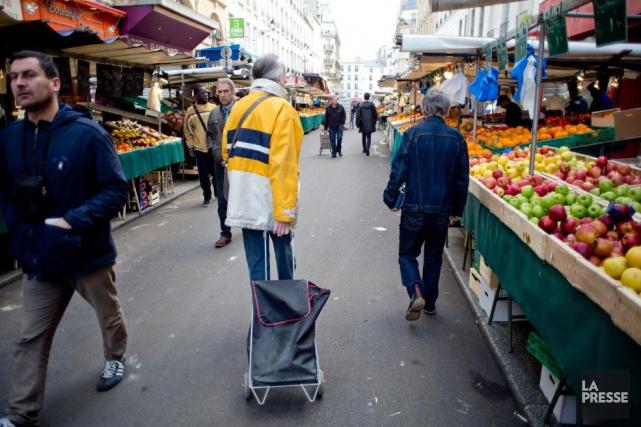 Le marché d'Aligre est l'un des nombreux marchés... (PHOTO DAVID BOILY, LA PRESSE)