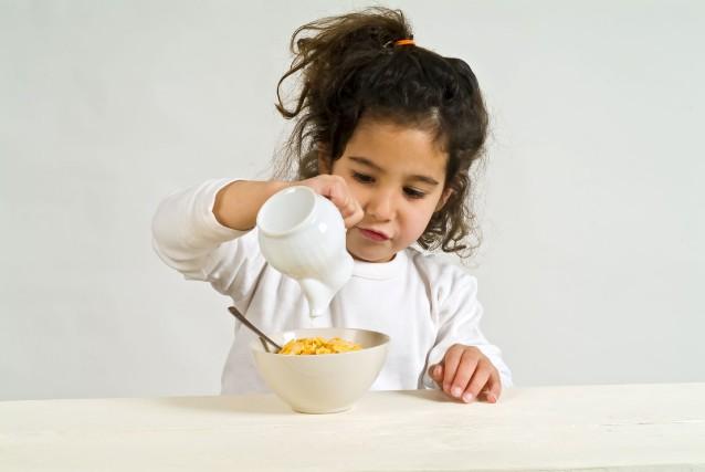 Vous allez peut-être me trouver bizarre, mais moi, les céréales, je les mange... (123rf, Noam Armonn)