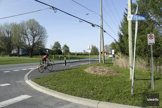 Les coûts de la piste multifonctionnelle, aménagée en... (Catherine Trudeau, La Voix de l'Est)