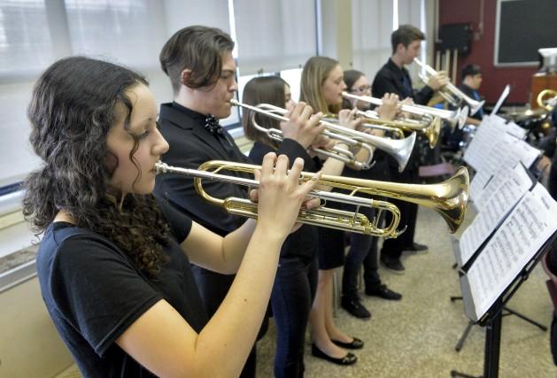 Les élèves du Vicas Big Band répétaient en... (Spectre Média, Maxime Picard)