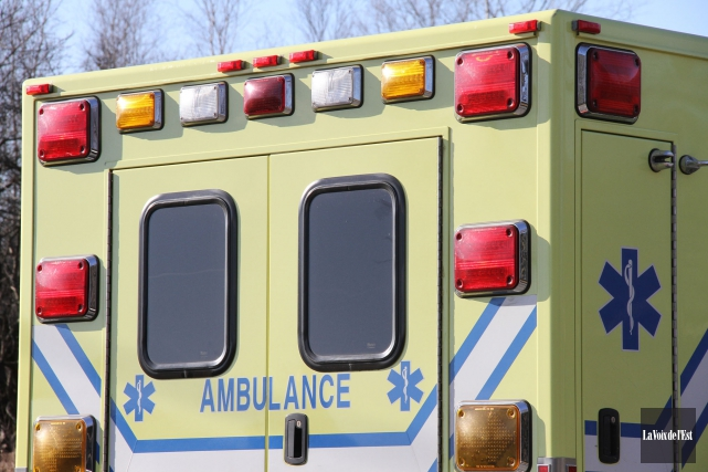 Un accident grave impliquant deux véhicules, rang de la Chute à Upton, vendredi... (Archives, La Voix de l'Est)