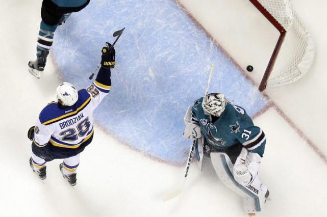 Le changement de gardien aura donné une étincelle aux Blues de St. Louis. Le... (Photo AP)