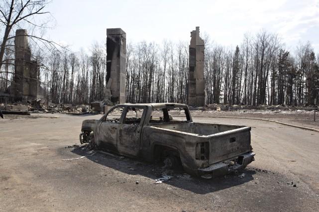 La banlieue dévastée de Fort McMurray... (La Presse Canadienne, Jason Franson)