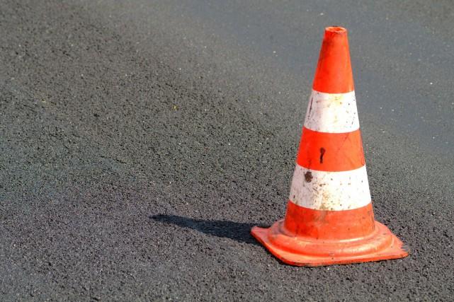 Les citoyens de Saguenay assisteront à la prolifération de cônes orange au... (123RF)