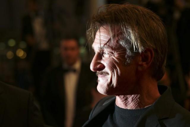 Le réalisateur Sean Penn à Cannes, vendredi... (Joel Ryan)