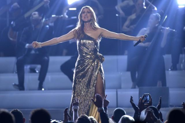 Très émue, Céline Dion a remercié tous ceux... (Photo AP)